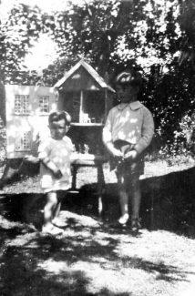 Erica's doll house made by Grandpa Bull | Ian Hawks