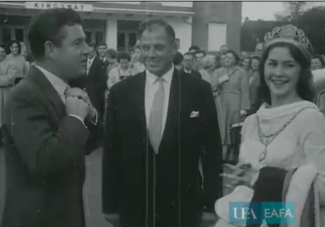 Kenneth More opening North West Frontier at the Kingsway Cinema, Hadleigh (Essex)