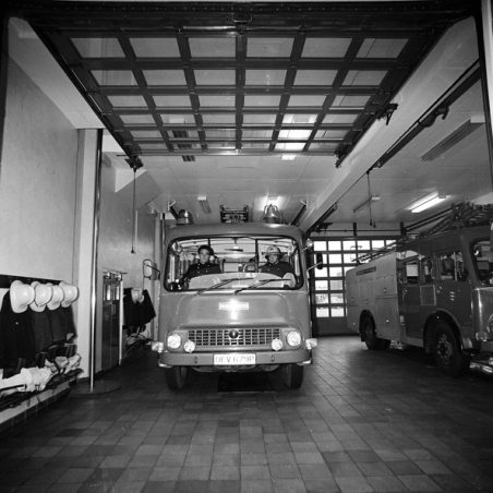 Hadleigh Fire Station interior with a crew awaiting instructions | @Robert Hallmann