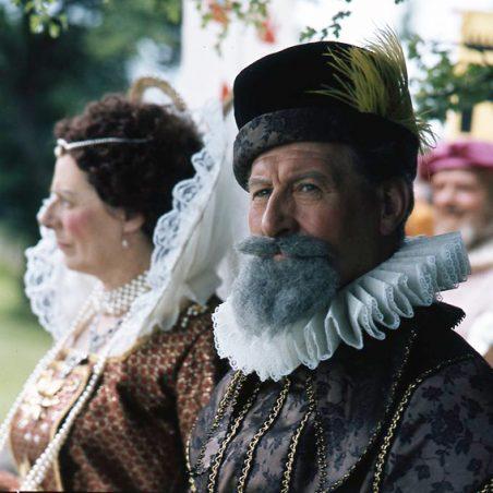 Queen Elizabeth I and Sir Walter Raleigh | © Robert Hallmann