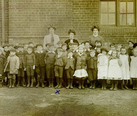 Hadleigh School Class c.1912. Gill Blackall's father Ben Chalk was born 1904. Here he is front row, marked with an 'x'. | Gill and Colin Blackall
