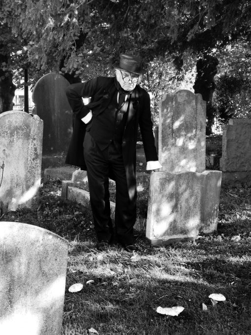 Seen in Hadleigh churchyard - the ghost of James 'Cunning' Murrell, alias yours truly... An imposter | Karen Bowman