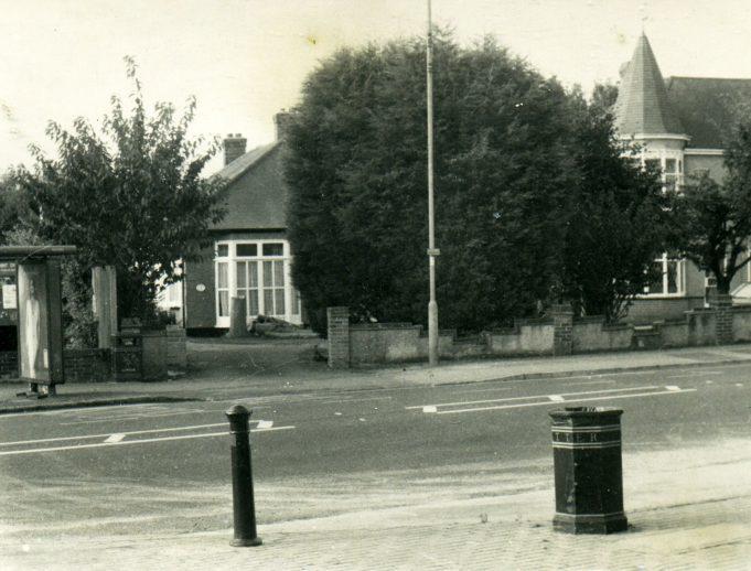 No.68 & 70 Hart Road. | Ian Hawks.