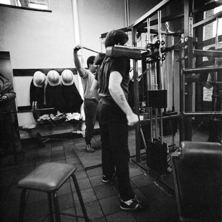 Equipment of all sorts to build up muscles | Robert Hallmann