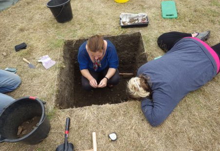 Pottery Dating From Hadleigh Test Pitting 2015