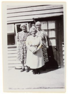 Elderly Aunts at the kitchen door | Richard Hills family collection