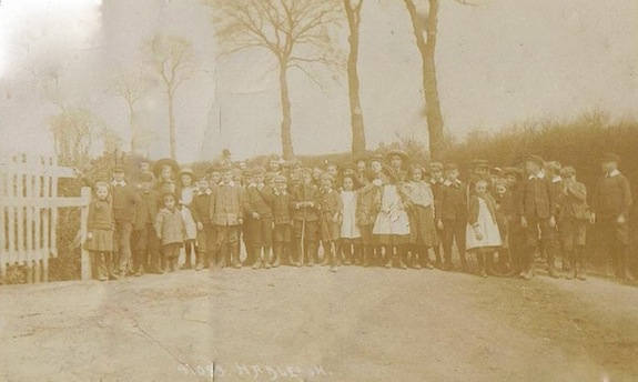 Another early photpgraph of the school children. | Graham Cook collection