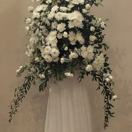 Wedding flowers with a photo of the Royal couple - by Elizabeth Wright | Tony Harvey