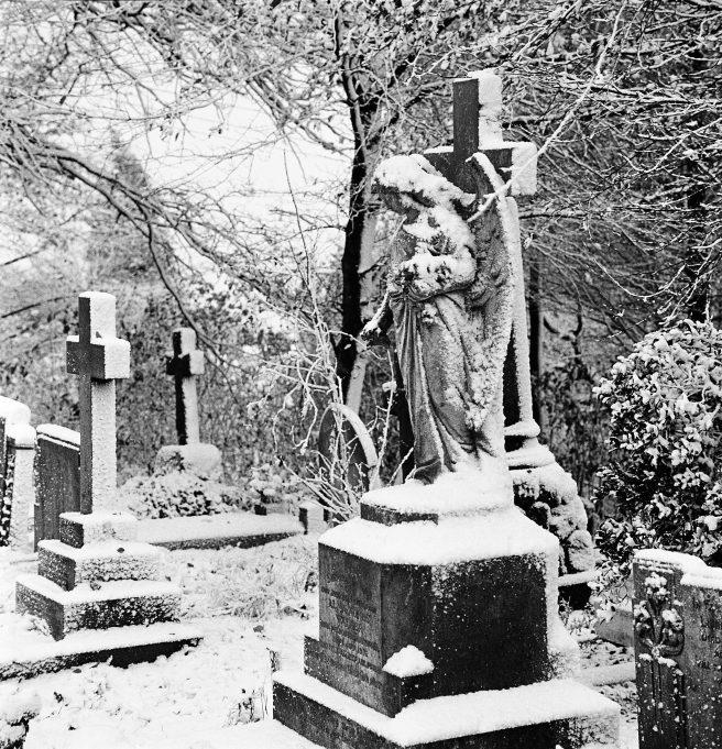 St Peter's churchyard | © Robert Hallmann
