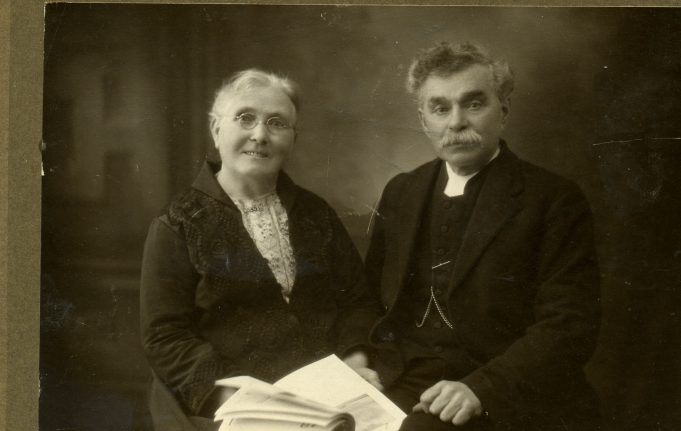Mrs. and Rev H.Davis Bull. | Ian Hawks