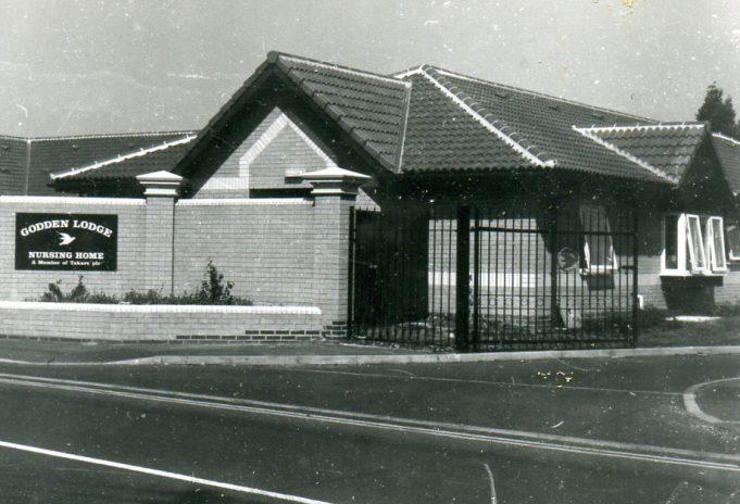 Godden Lodge,1997 | Ian Hawks