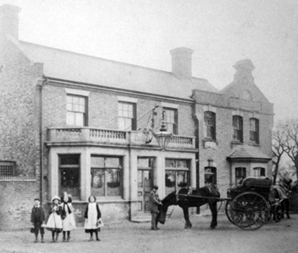 An early last century image of the front of the Crown, when it still faced south and horses and carriages awaited your pleasure