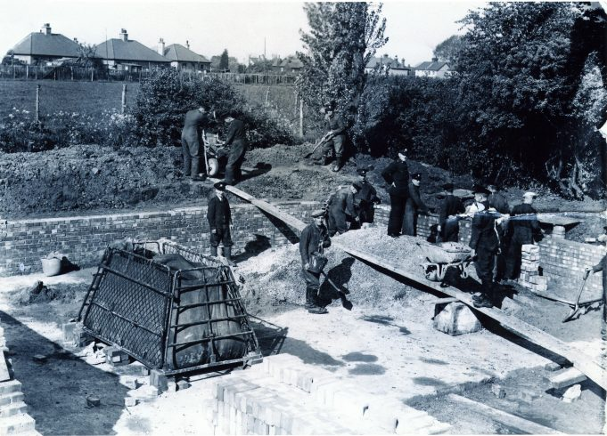 Hadleigh Firemen building a pond. Can anybody enlarge on this information? | Alice Chafer