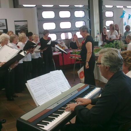 Hadleigh Voices Community Choir | NT