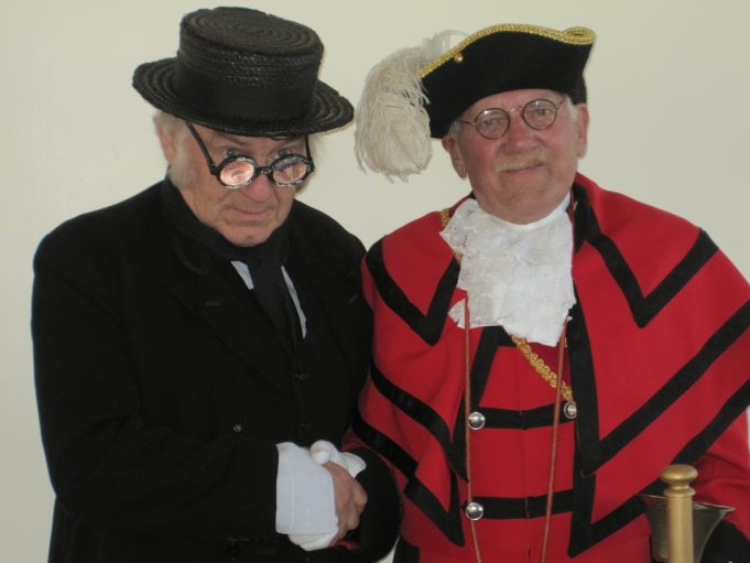Cunning Murrell (Robert Hallmann) and our Town Crier (Peter Hammerton) | Lynda Manning