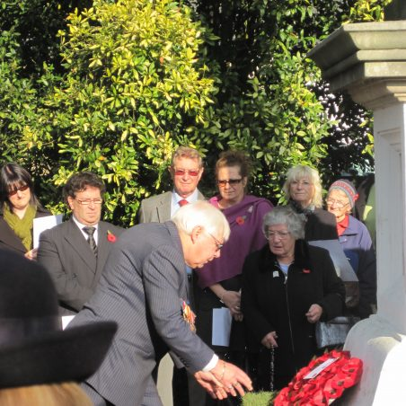 Councillor Peter Burch (Cedar Hall Ward) laying Castle Point wreath | Lynda Manning