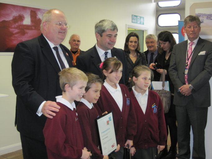 Eric Pickles with Stephen Castle and pupils from Hadleigh Junior School | Lynda Manning