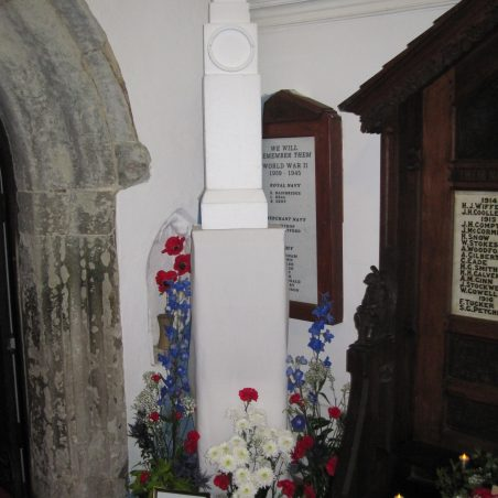 The cenotaph - by Lilian Hamper   Lynda Manning