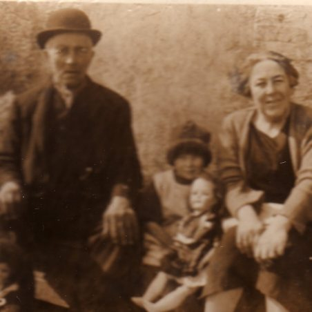 James Rolph & Lizzie Dixon with  Winnie & Doris Felton.