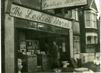 Leslie's Stores | Chris Worpole