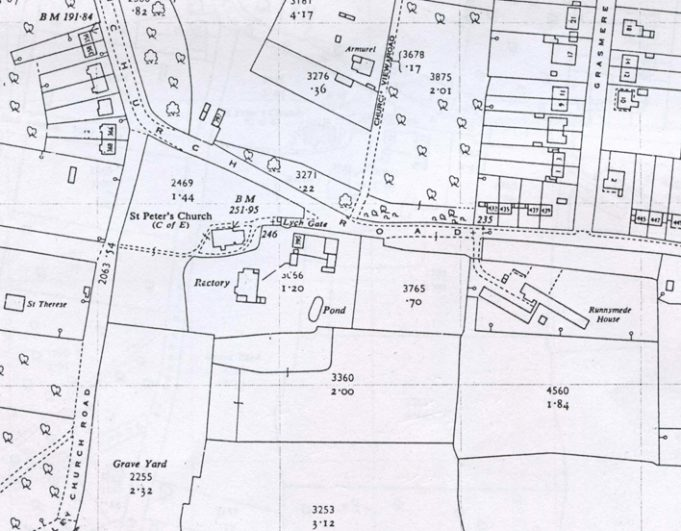 1962. St Peter's tithe barns are marked, as is the POW camp to the right (called Runnymede House?) | Jonathon Stamp
