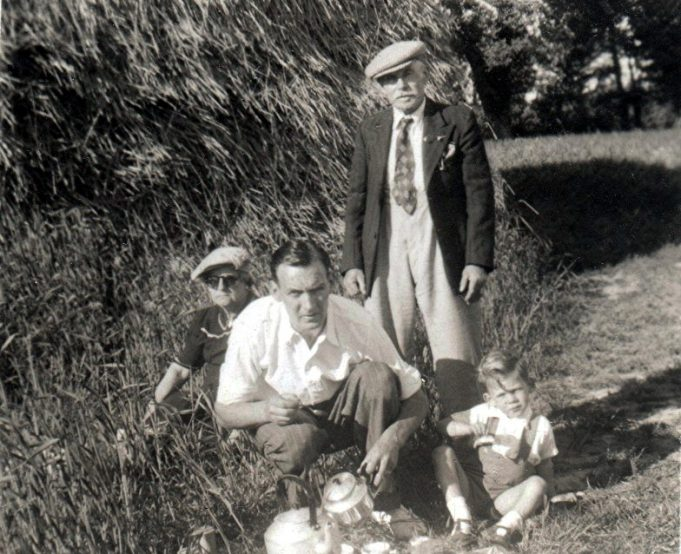 Shinn family picnic in 1948