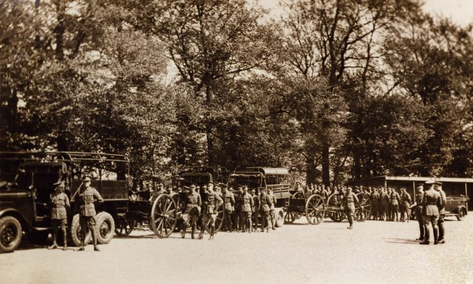 A motorised military convoy awaiting instructions in 1935? | Picture thanks to Derek Barber