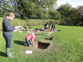 In a back garden | Cambridge Archaeology