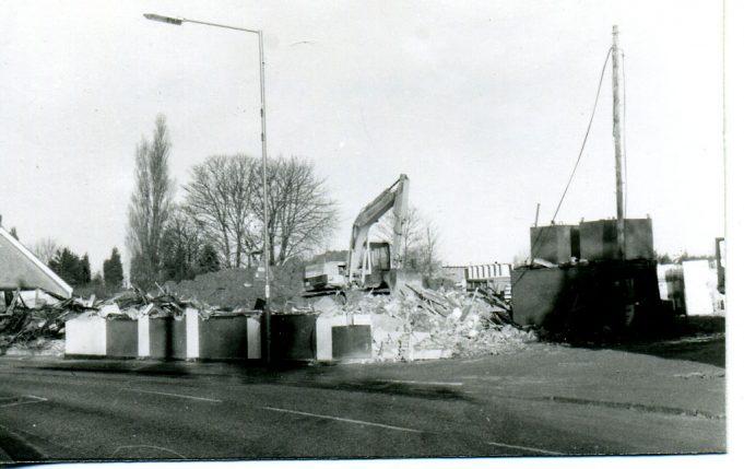 Demolition of building 1986   Ian Hawks
