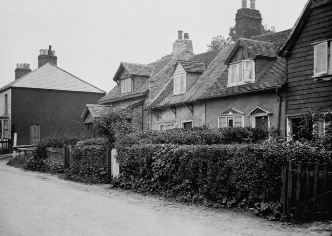 South Benfleet poor cottages before all bar the farthest one were replaced.