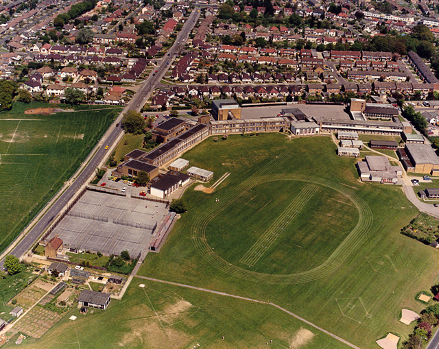 Aerial view of King John School, Benfleet, near view 1987. [This-file-is-licensed-under-the-Creative-Commons-Attribution-Share-Alike-2.0-Generic-Licence] | Edward Clack