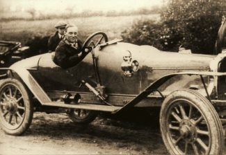 Malcolm Campbell at the 1920 Hill Climb in an early 'Blue Bird'